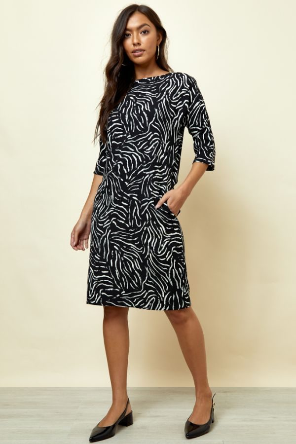 Black & White Etch Print Shift Dress