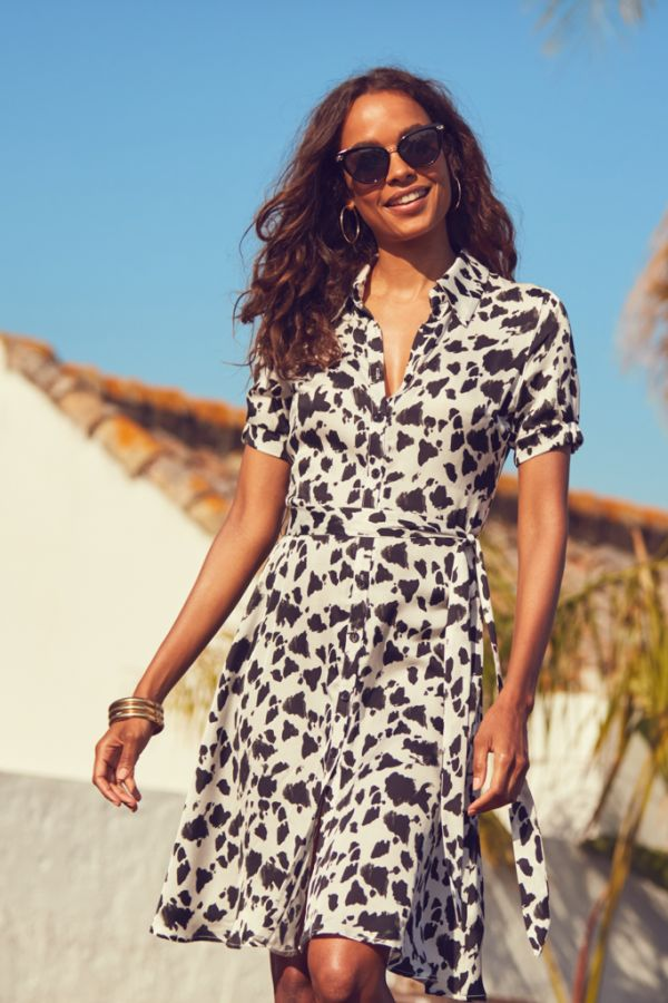 Black & White Chic Print Belted Shirt Dress