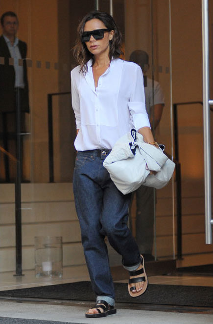 WHY YOU NEED A WHITE SHIRT